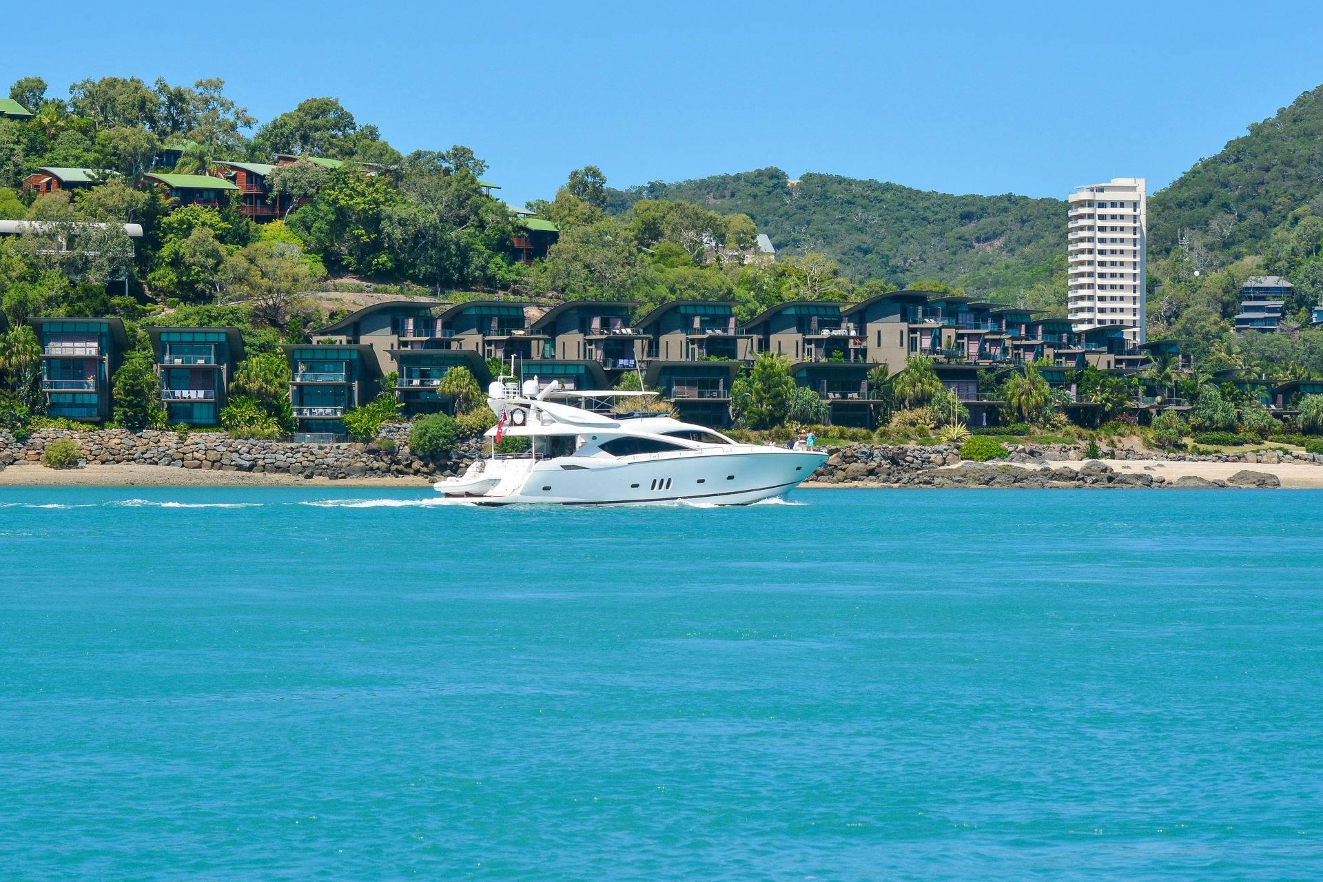 Book Yacht Club Villa | Hamilton Island | Luxury Holidays