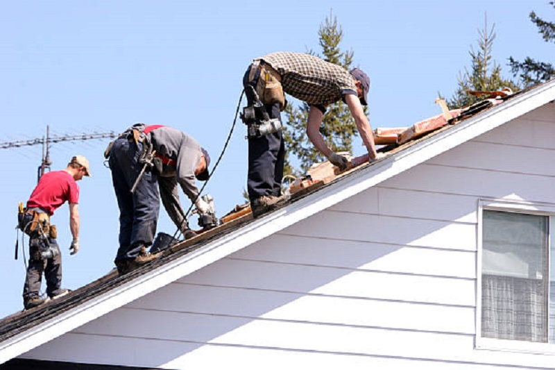 The Top Reasons To Choose A Roof Restoration For Your Commercial Space